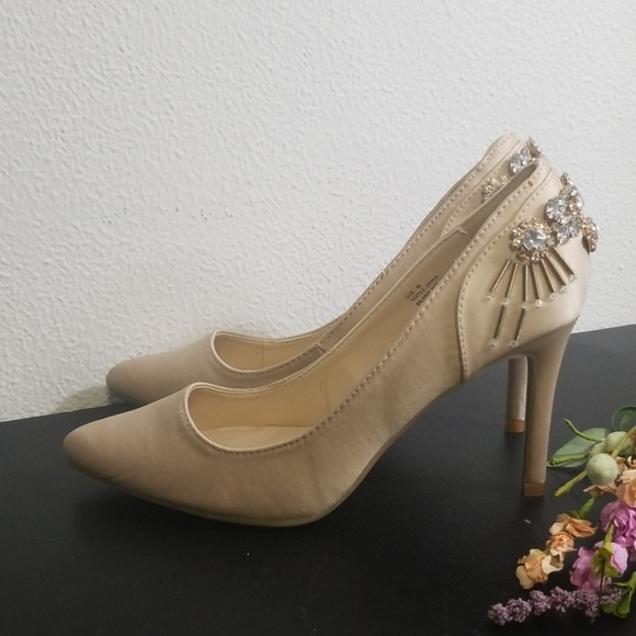 Anthropologie Shoes - Anthro faryl by Robin champagne bling heels size 8